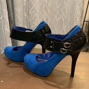Blue suede w/ Black double buckle ankle